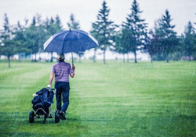 Wie verhält man sich bei Gewitter richtig auf dem Golfplatz?