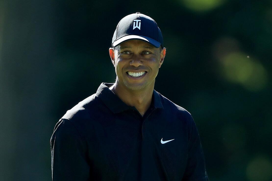 Tiger Woods mit großem Lächeln.
