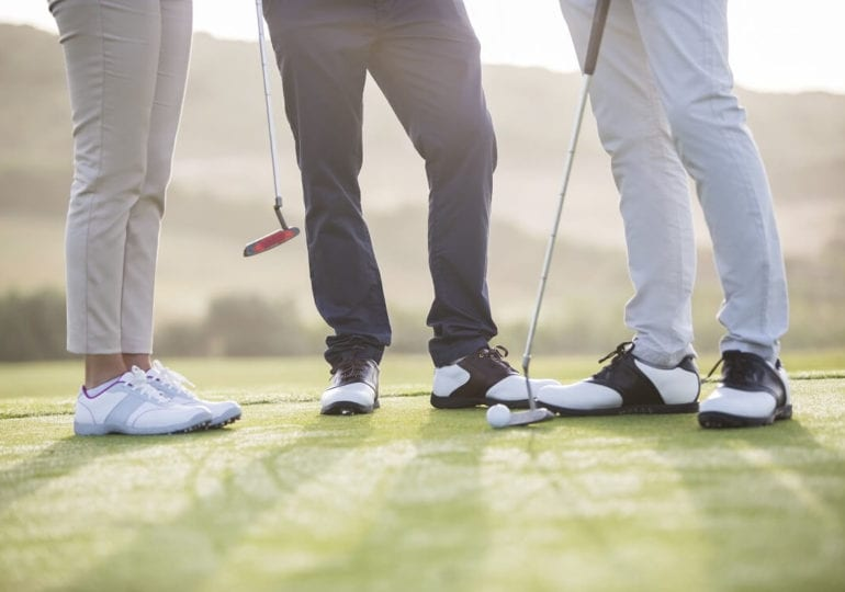 Was ist beim Kauf von Golfschuhen zu beachten?