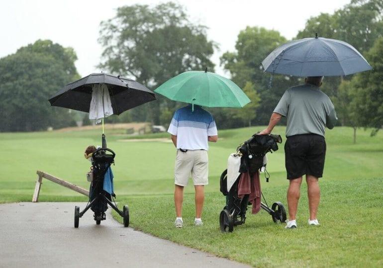 Fünf Tipps für die richtige Regen-Ausrüstung auf dem Golfplatz