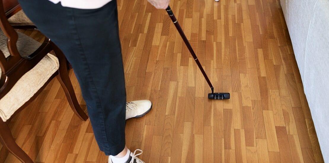 Fit im Lockdown: Zwei Golfschwung-Übungen für zuhause