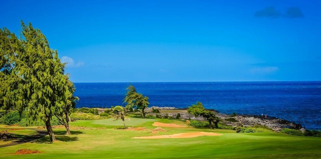Kapalua Golf: Weite Distanzen und dramatischer Meeresblick auf Hawaii